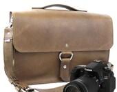 "14"" Brown Newport Midtown Leather Camera Bag"