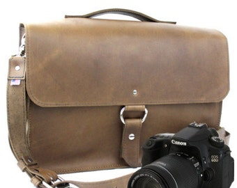 "14"" Brown Newport Midtown Leather Camera Bag"