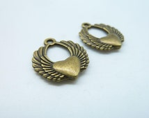 20pcs 15x17mm Antique Bronze Flying Heart With Wings Charms Pendant c2907