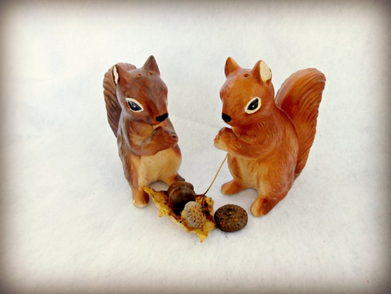Vintage Home - Autumn Squirrel Woodland Salt and Pepper Shakers