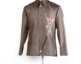 mens shirt, vintage 1970's 70's brown button down shirt, POOL table, balls and sticks digital print, men's size small S