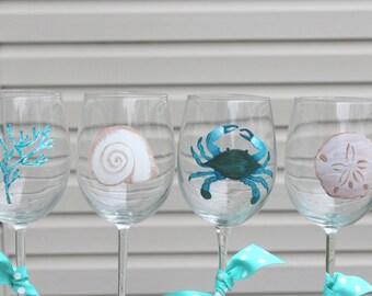 Beach wine glass set of 4, summer wine, hand painted gift, beach glassware, beach house, summer fun, shell glasses, sand dollar, crab
