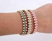 Friendship bracelet. Beadwork bracelet. Fabric bracelet. Macrame jewelry. Light gray bracelet.