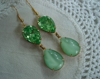 Vintage Art Deco Faceted Peridot and Moonstone Glass Gold Dangle Earrings