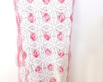 Vintage Crochet Lace Dresser Scarf
