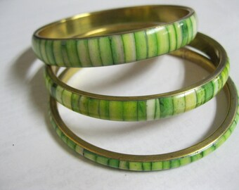 Antique Green & White Lucite Inlaid Brass Bangle Bracelet Set of Three Graduated Sizes Lovely Vintage Wardrobe Fun Estate Jewelry Accessory