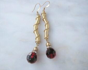 Gold Bead Red Black Drop Duster Earrings Vintage Costume Jewelry