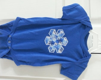Winter Snowflake onesie, unisex - Ready to ship, Size 12 month