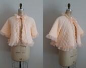 Peachy Pink Vintage 1950s Bed Jacket / Quilted Bed Coat / Medium