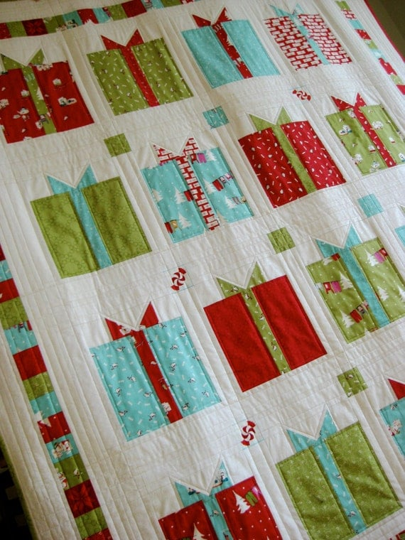 Christmas Quilt Modern Lap Throw Wall Hanging Gifts With Bows