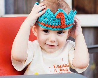 Crochet crown, turning one crown, photo prop, birthday crown