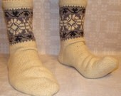 Hand knitted natural wool socks. Size: EU 44,5 - 45 , US 11 - 11,5