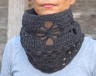 Crochet spider cowl PATTERN, woman crochet cowl, woman neckwarmer, woman crochet scarf, granny scarf, DIY tutorial, Instant download