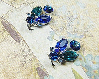 Vintage 1940s Butterfly Cobalt Blue and Emerald Green Rhinestone Clip Earrings - BUT-49 - Blue Butterfly Earrings