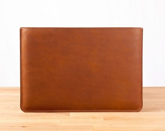 "13"" MacBook Pro Leather Sleeve Case in Brown"