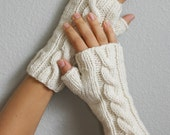 Cream Cable Knit Fingerless Gloves