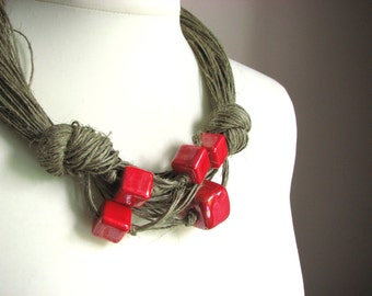Big Ceramic Claret linen necklace