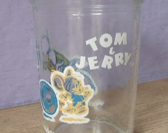 Vintage Welch's jelly jar, Tom and Jerry playing soccer, 1991, blue white yellow, cat and mouse games, cartoon characters,