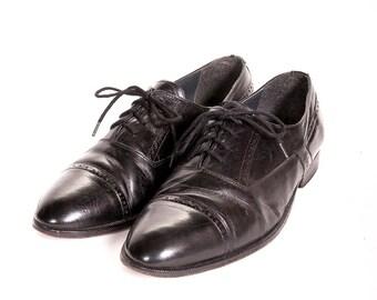 Men's Captoe Shoes Size 8.5 D