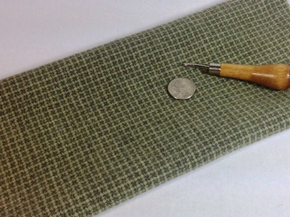 Rug Hooking and Applique Wool, Fat 1/8 yd, Tiny Green and White Windowpane, J739