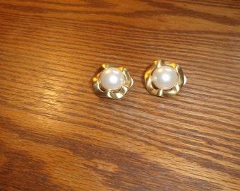 vintage clip on earrings goldtone faux pearl
