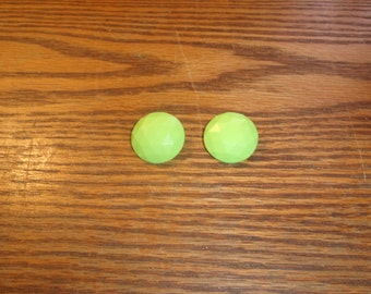 vintage clip on earrings lime green circles lucite