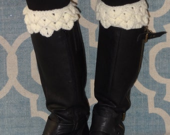 Crochet - Cream crocheted alligator  boot cuffs