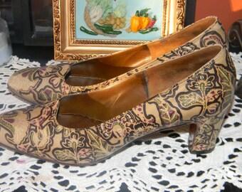 Mr. Seymour vintage Pump.GENUINE Floral Leather pump. Narrow Triple AAA Sz 7 USA Ladies shoe. Became Seymour Weitzman. Now Stuart