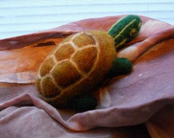 Needle Felted Painted Turtle / Wool Felt Animal / Miniature Toy Turtle Figurine / Waldorf Nature Table Spring Woodland Wildlife