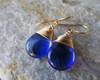blue sapphire earrings Bridemaids earrings dark sapphire blue and gold tear drop wire wrapped dangle earrings