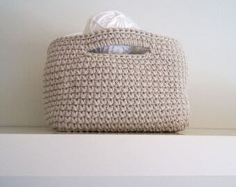Large Crochet Square Basket in beige. Crochet basket. Storage basket. Cesta ganchillo grande. Cesto uncinetto. Häkeln Korb. Panier crochet.