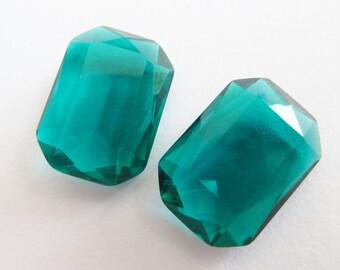 2 glass jewels, 14x10mm, emerald green, octagon