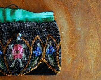 antique 1920s purse / beaded velvet evening clutch