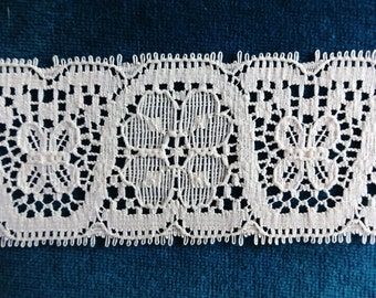Vintage Off White Lace 13 yds 1 ft