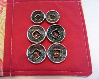 6 Silver Metal Buttons / Beautiful Silver Buttons