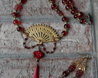 Asian Excursion Necklace Set