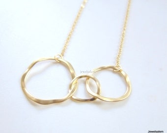 Linked Circles Necklace, Gold Infinity, Triple Circle, Friendship Necklace, Mother Jewelry, Mama Jewellery, Sister Necklace, Mother Daughter