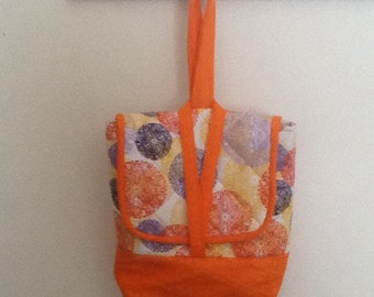 Large handy lunch tote with extra room for phone etc.