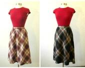 Set of 2 / 70s Wool Blend Plaid Skirt Set / Tweed Wool Skirt / Blue Wool Skirt / Midi Skirt / Hipster Clothing