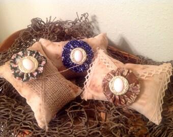 Prim Bowl Tucks or Fillers..Prim Little Pillows..Country Bowl Fillers..Country Prim Home.Rustic  Home. Housewarming Gift.Shelf Setter.Set 3