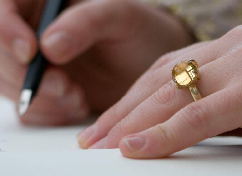 citrine ring in 18k gold large citrine cabochon ring 18k. Black Bedroom Furniture Sets. Home Design Ideas