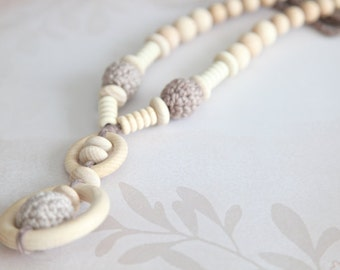 Organic cotton, light beige gradient nursing necklace with. Mammy and baby teething necklace. Girls crochet necklace.