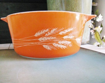 Vintage Retro Rusty Orange Pyrex Autumn Harvest Wheat Bowl Dish Cinderella Handles 1.5 Quart 1-1/2 Qt Casserole Bakeware Replacement