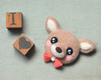 Handmade cute deer brooch, needle felted deer pin, whimsical felt animal brooch, beige fawn, children jewelry, gift under 25