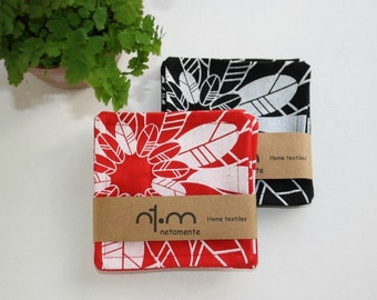 Fabric coasters screen printed - Red or black cotton coasters screen  printed - Set for 4