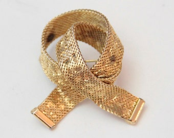 Vintage Knot Gold Scale Texture Pin Brooch