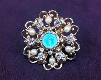 Gold Toned Flowery Pin Brooch