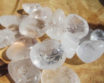 Clear Quartz Tumbled Stone T29