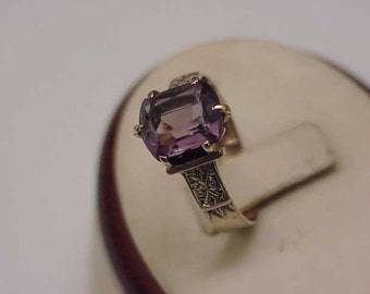 Super  Nice  Fancy 10K Gold Victorian  Ring  Genuine  Amethyst  Great Mount, 1800s