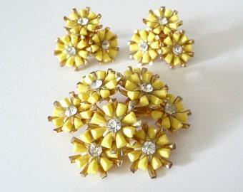 Vintage Coro Brooch Pin Earring Set Yellow Lucite Flower Daisy Rhinestones Demi Parure